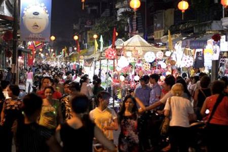 Dong Xuan Night Market