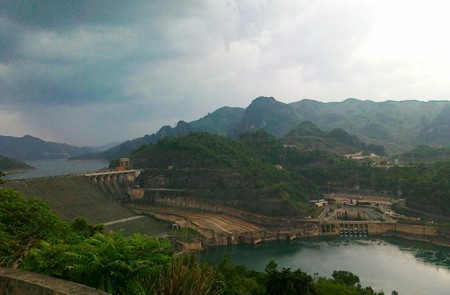 Hoa Binh Reservoir & Hill Tribe Villages Tour – 1 Day