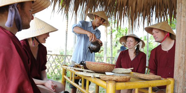Meet the local and learn about the process of the wet rice grow