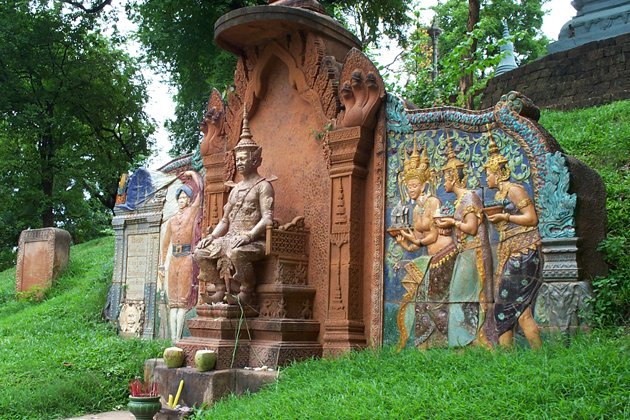 Reliefs describe the royal story in Wat Phnom