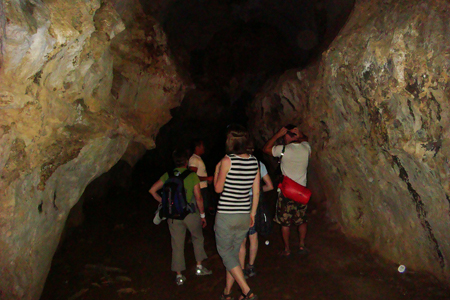 Tham Loup Cave, Laos