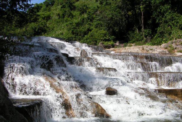 Yangbay Waterfall in nha trang