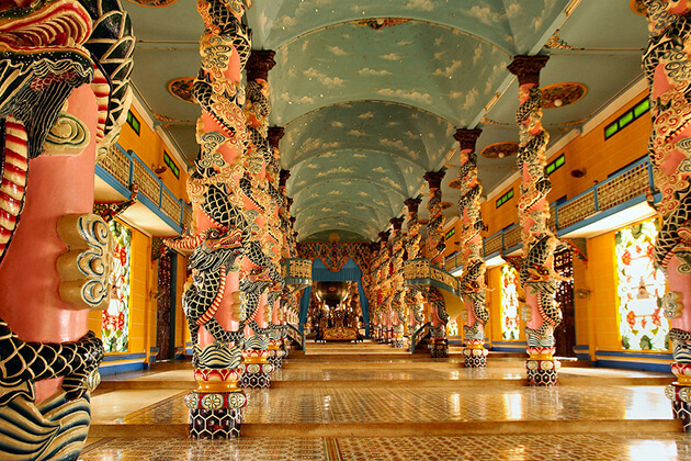 cao dai temple in tay ninh vietnam family tour in 5 days