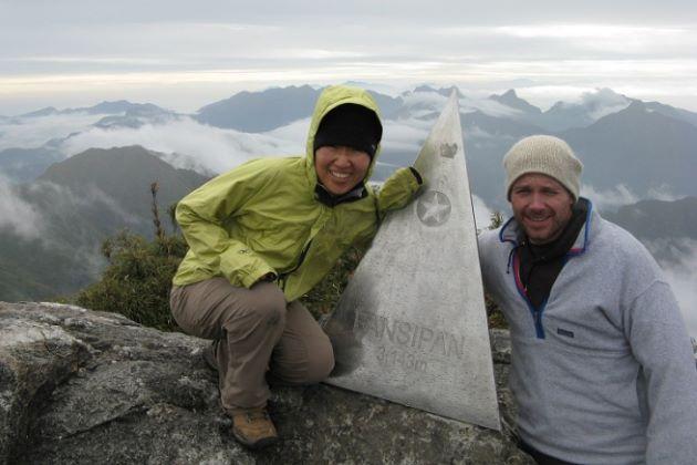 conquering mount fansipan in sapa trekking tour