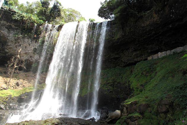 dambri waterfall in dalat