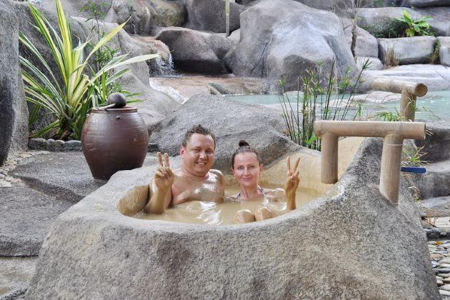 enjoy mud bath in nha trang