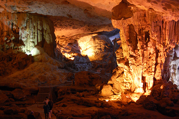 halong bay magnificent cave