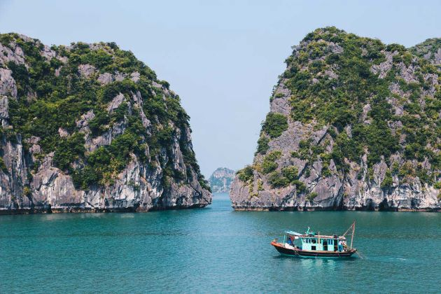 halong bay the unesco world natural heritage site