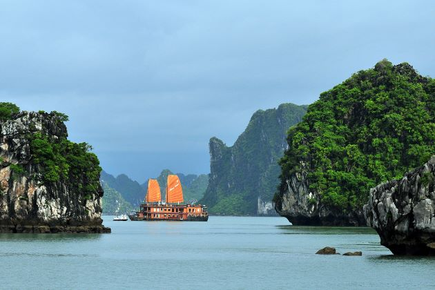 halong bay the world natural heritage site