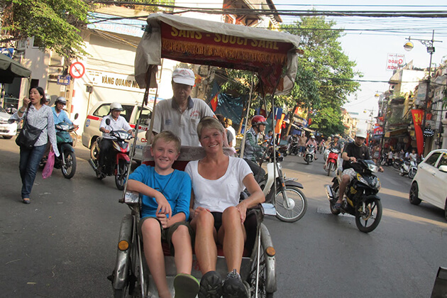hanoi cyclo tour with kids along the old quarter