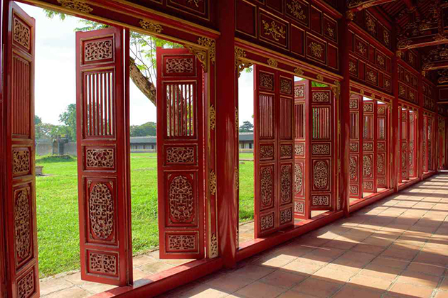 hue imperial city vietnam tour in 4 days