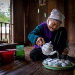 old woman in mai chau