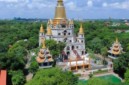Ho Chi Minh City – Cu Chi Tunnels – My Tho Tour – 4 Days