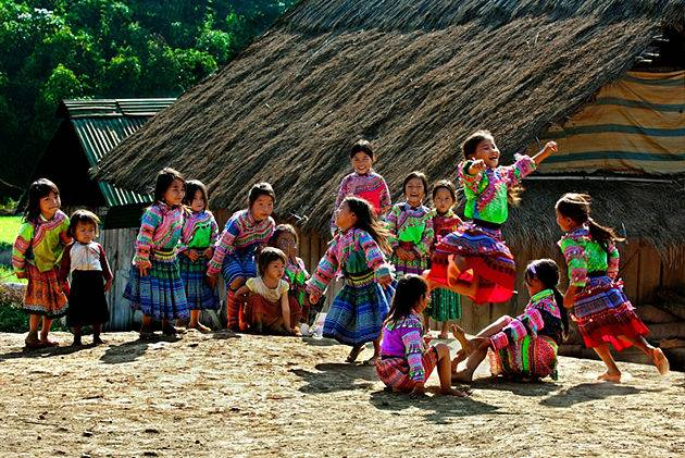 see ethnic minorities on ha giang tour in 4 days