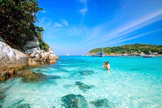 the beach of cham island