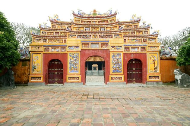 the gate at hue purple forbidden city