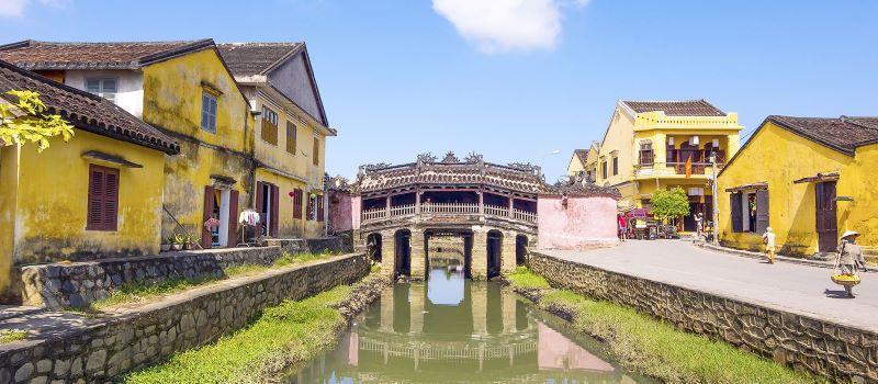 the japanese covered bridge in hoi an ancient town