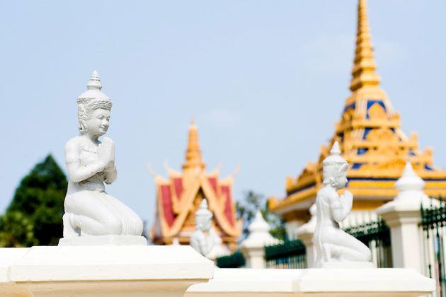 the royal palace in phnom penh cambodia