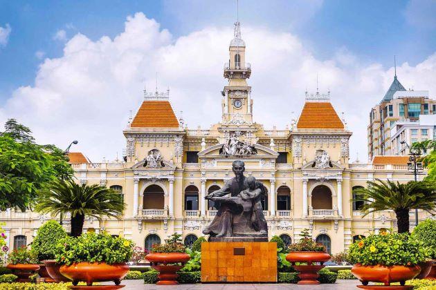 the saigon city hall