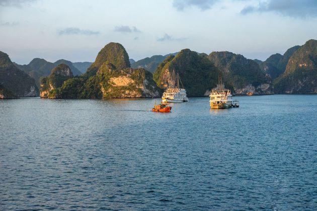 Halong & Hanoi Tour from Cai Lan Port – 2 Days