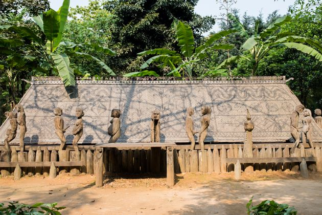 the wooden statues in hanoi museum of ethnology