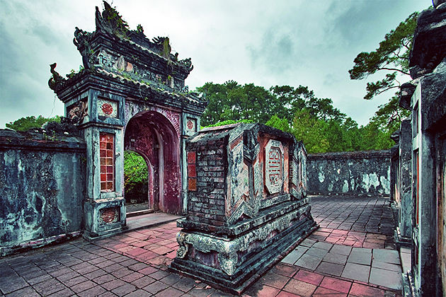 tu duc tomb hue city tour