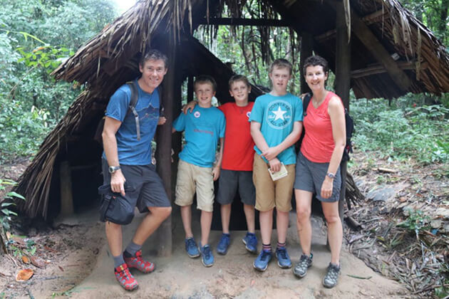 visit cu chi tunnels with family