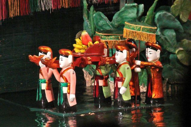 water puppet show at thang long theater in hanoi