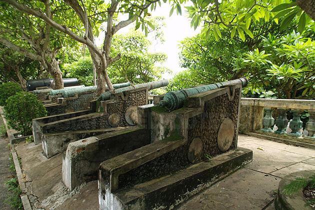white palace vung tau city tour