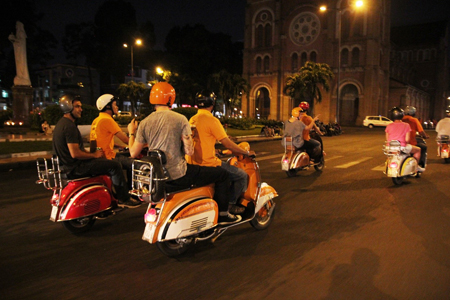 Ho Chi Minh City City Excursion: Saigon after Dark By Vespa - 4 Hours - Vietnam Vacation