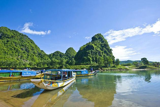 quang binh dragon boat trip