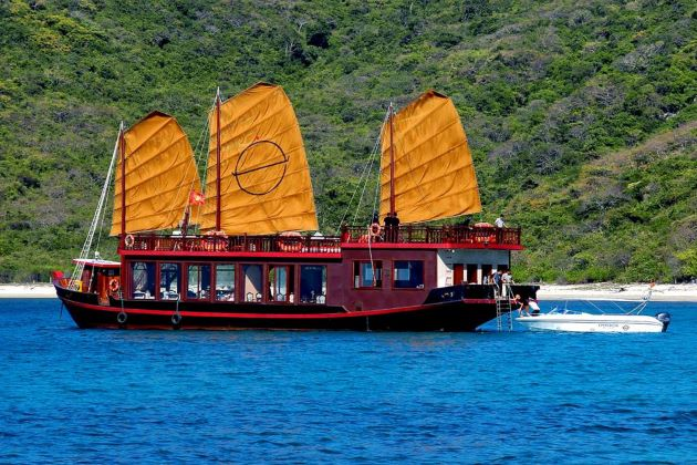 Nha Trang Discovery Cruise Tour – 1 Day
