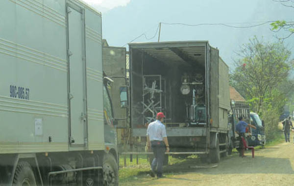 The present of dozens of vehicles carying equippments for King Kong film crew in Phong Nha