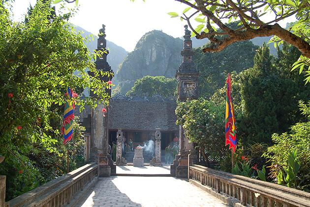 Dinh - Le Temple in Hoa Lu Ninh Binh