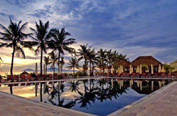 Victoria Hoian Beach Resort & Spa