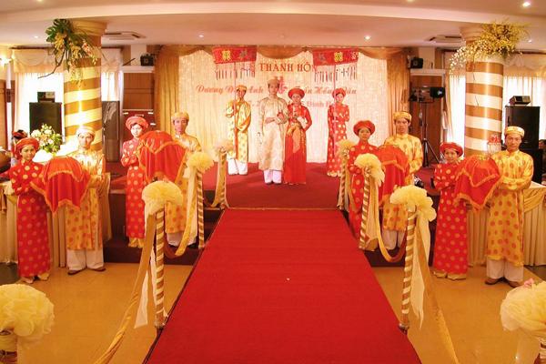 Vietnam wedding ceremony nationwide vietnam vacation vietnam wedding ceremony junglespirit Gallery