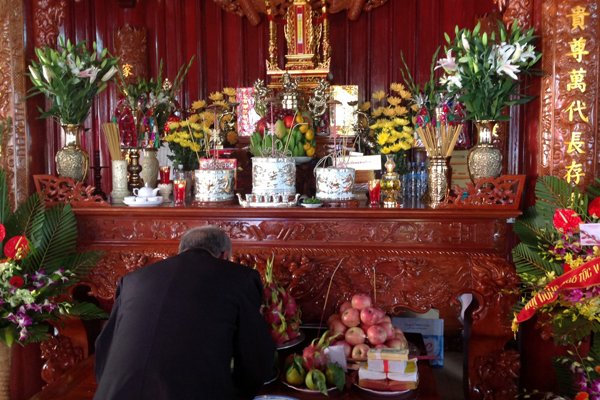Vietnam Worship of Ancestor Custom