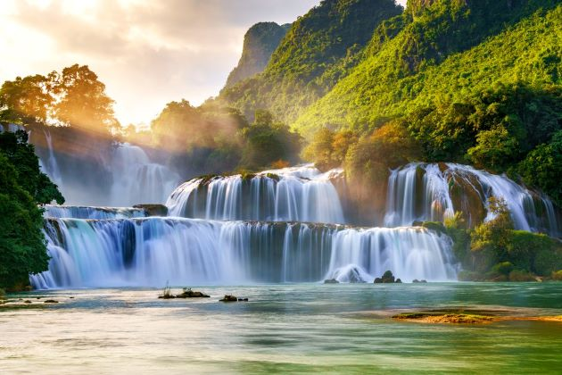 ban gioc waterfall in cao bang province vietnam