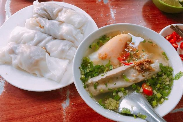 cao bang rice steamed rolls is a must-try food in northeast vietnam tours