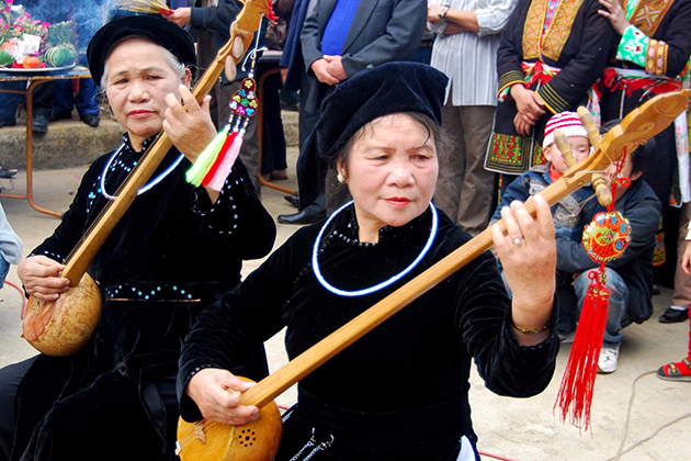 ha giang ethnic group northeast vietnam tour