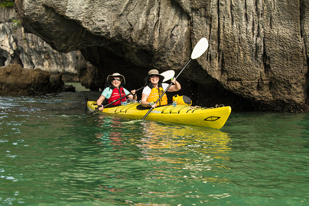 halong bay kayaking family tour
