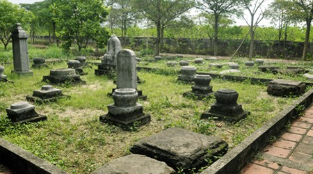 Tran Dynasty tombs