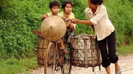 Vietnamese women in the modern life still keep their supreme sacrifice
