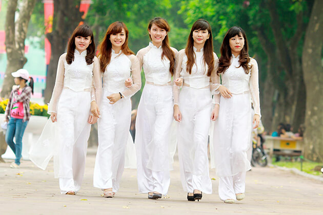 ao dai is the traditional uniform of female students in vietnam