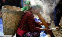 Tobacco (thuốc lá or thuốc lào).