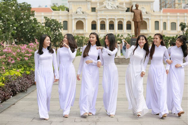 vietnamese students in ho chi minh city wearing ao dai uniform