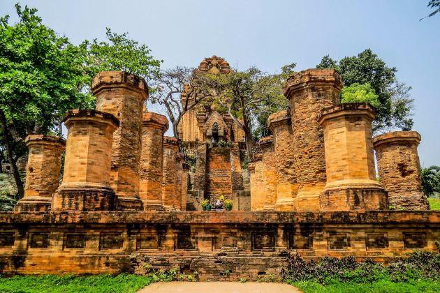 ponagar temple in nha trang city