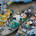 boat vendors at Cai Rang floating market