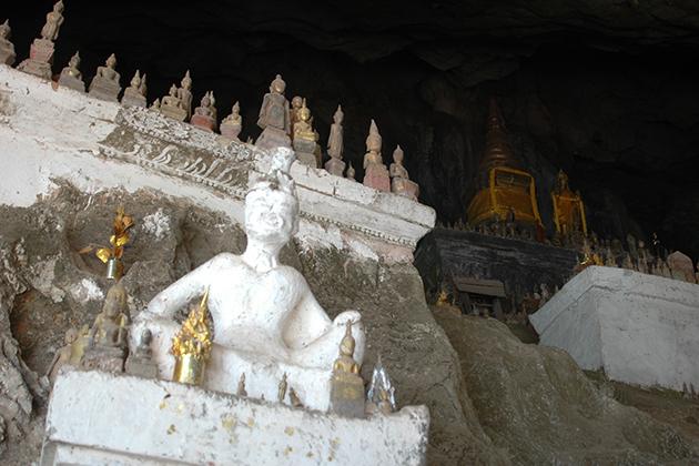 pakou cave laos vietnam tour