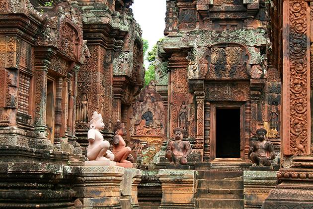the temple of Banteay Srei